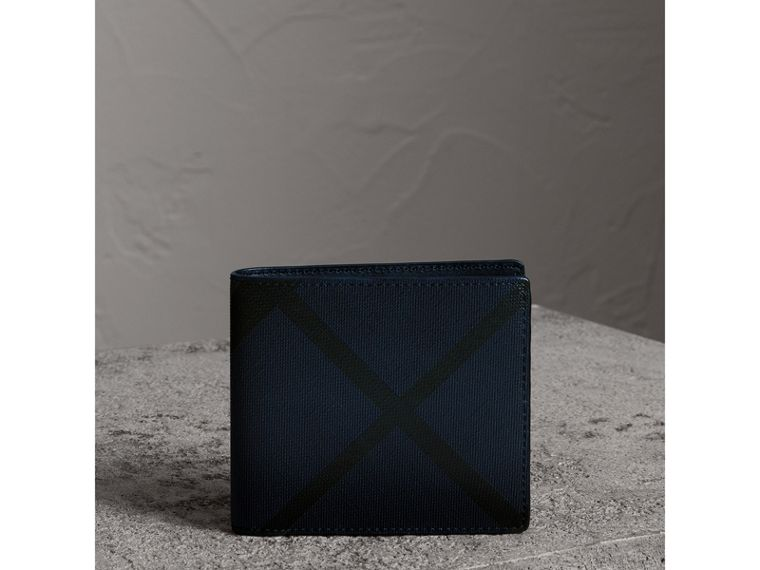 London Check International Bifold Wallet in Navy/black - Men | Burberry United Kingdom - cell image 4