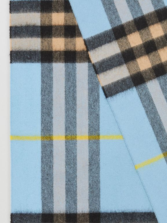The Classic Check Cashmere Scarf in Pale Blue Carbon | Burberry - cell image 1