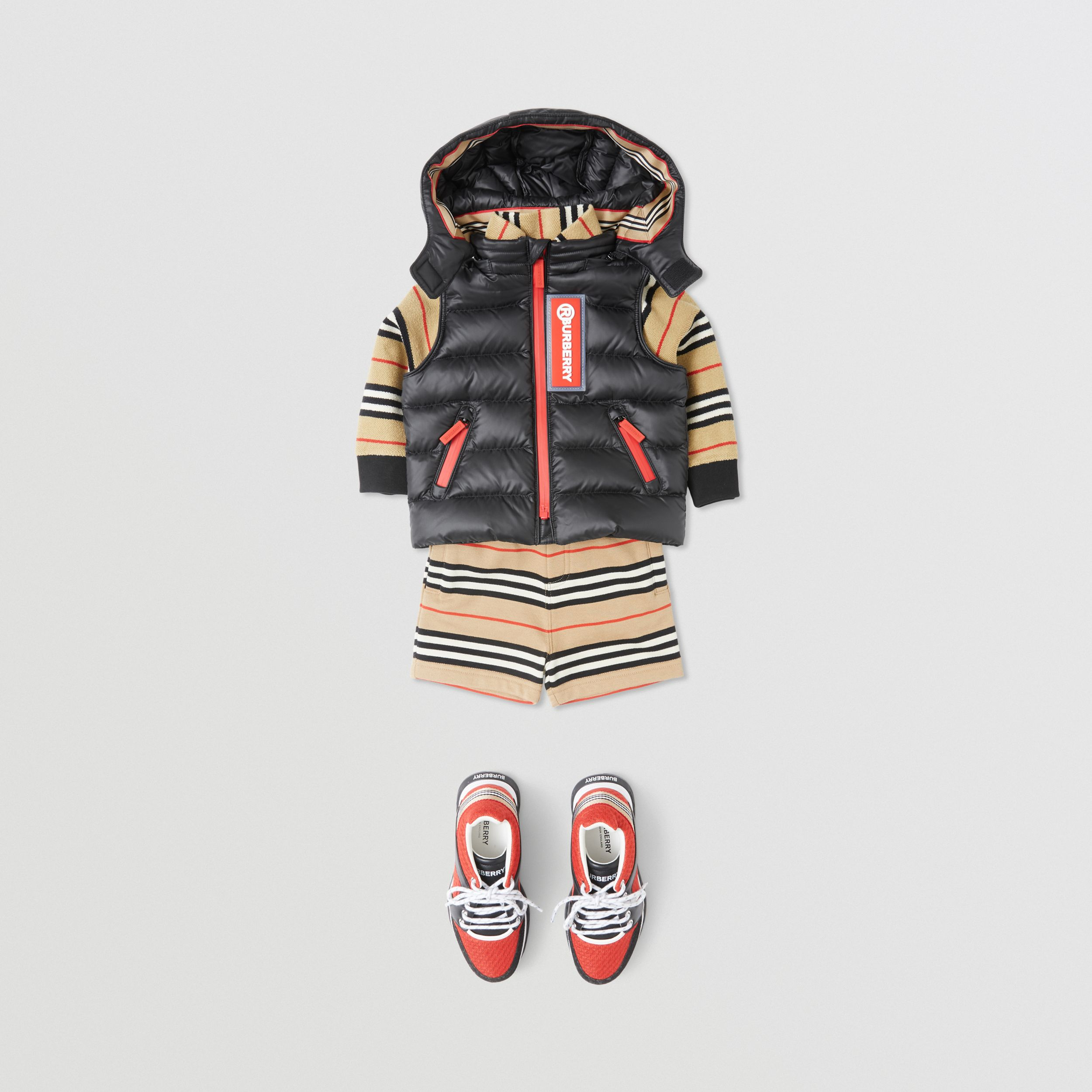 Detachable Hood Logo Appliqué Puffer Gilet in Black - Children | Burberry - 3