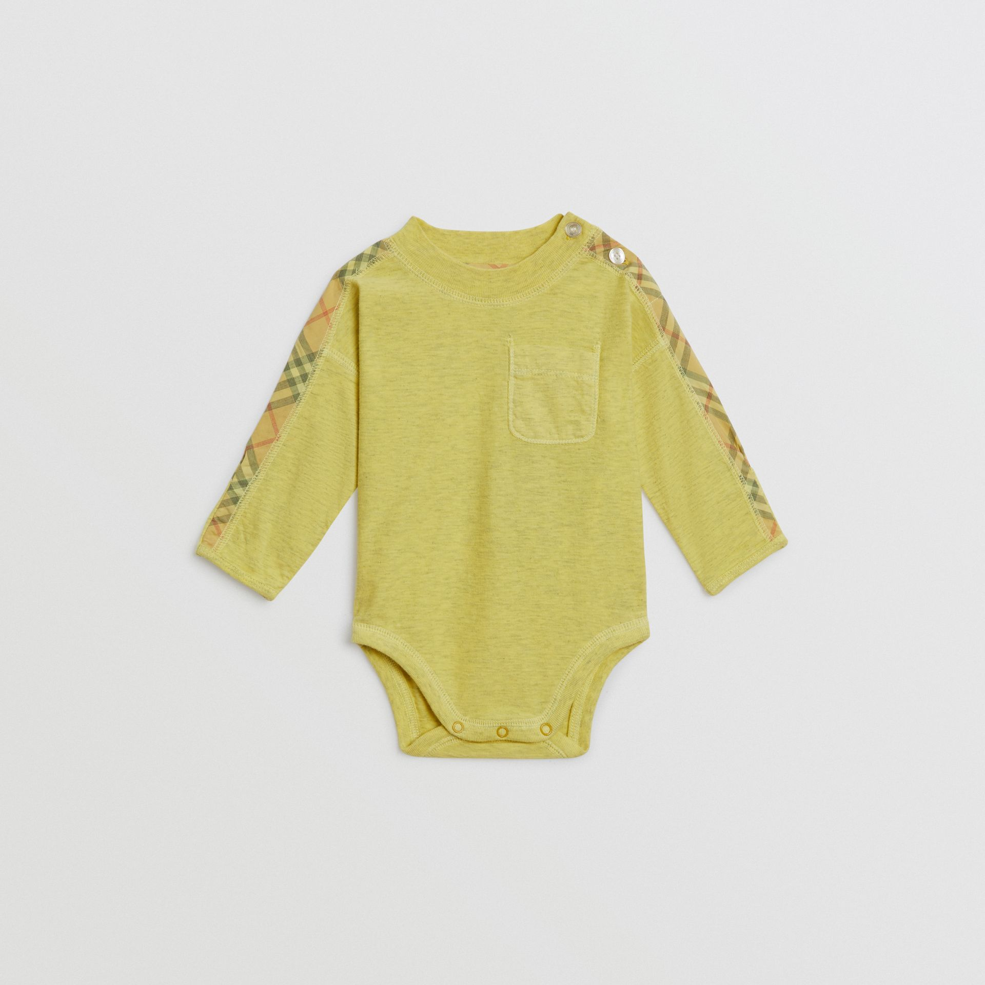Check Cotton Three-piece Baby Gift Set in Multicolour - Children | Burberry United Kingdom - gallery image 2