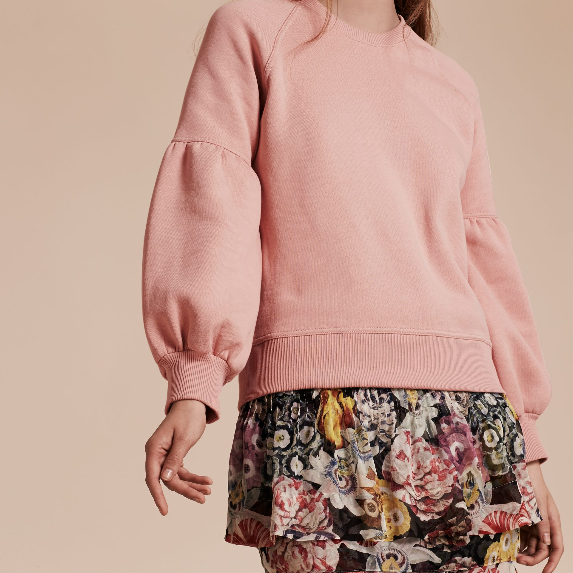 Sweat-shirt en jersey brossé avec manches cloches Rose Cendré - photo de la galerie 5