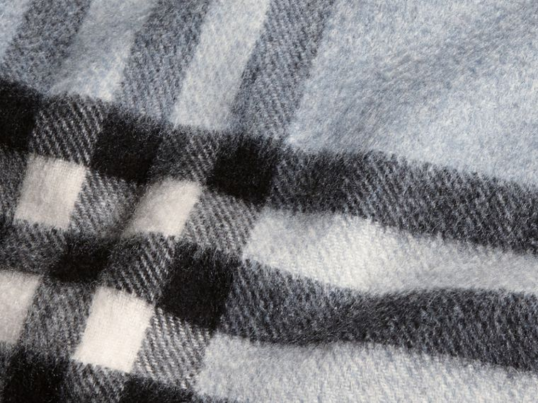 The Classic Cashmere Scarf in Check in Dusty Blue - cell image 4