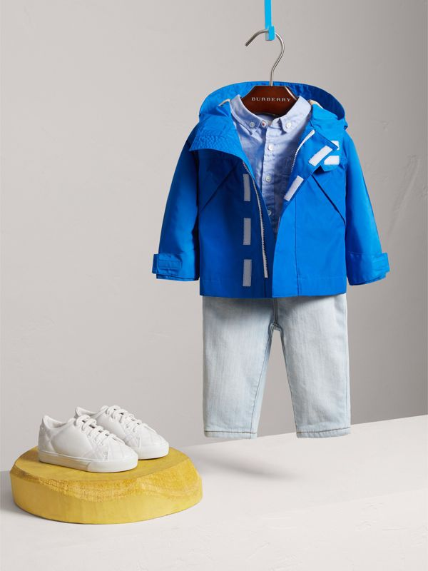 Shape Memory Taffeta Hooded Jacket in Azure Blue | Burberry - cell image 2