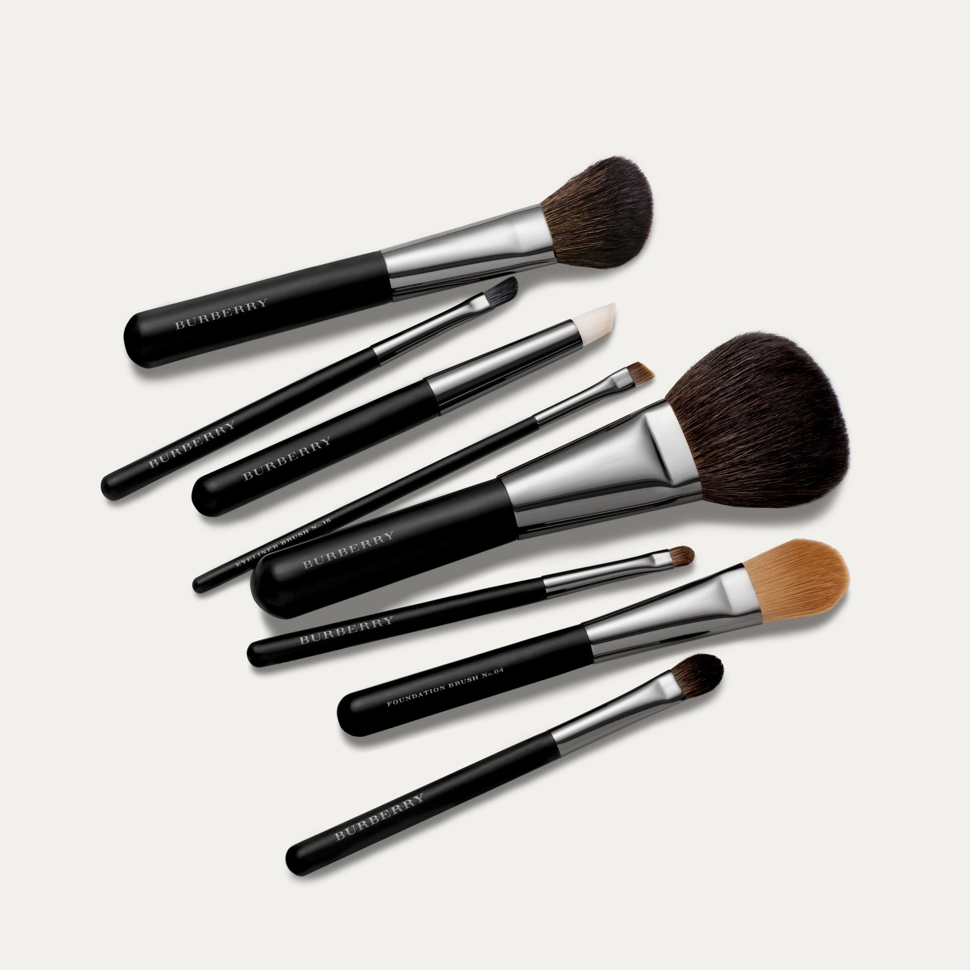 Medium Eye Shadow Brush No.12 - Women | Burberry United Kingdom - gallery image 1