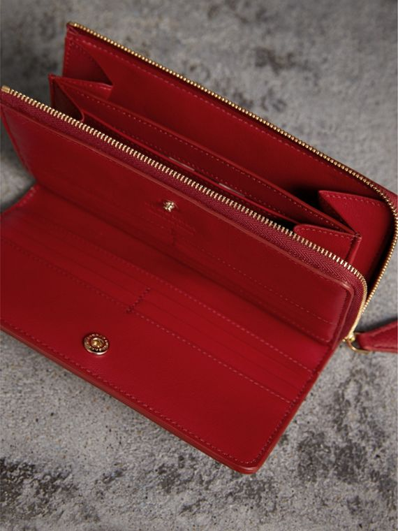 Grainy Leather Ziparound Wallet in Parade Red - Women | Burberry Australia - cell image 3