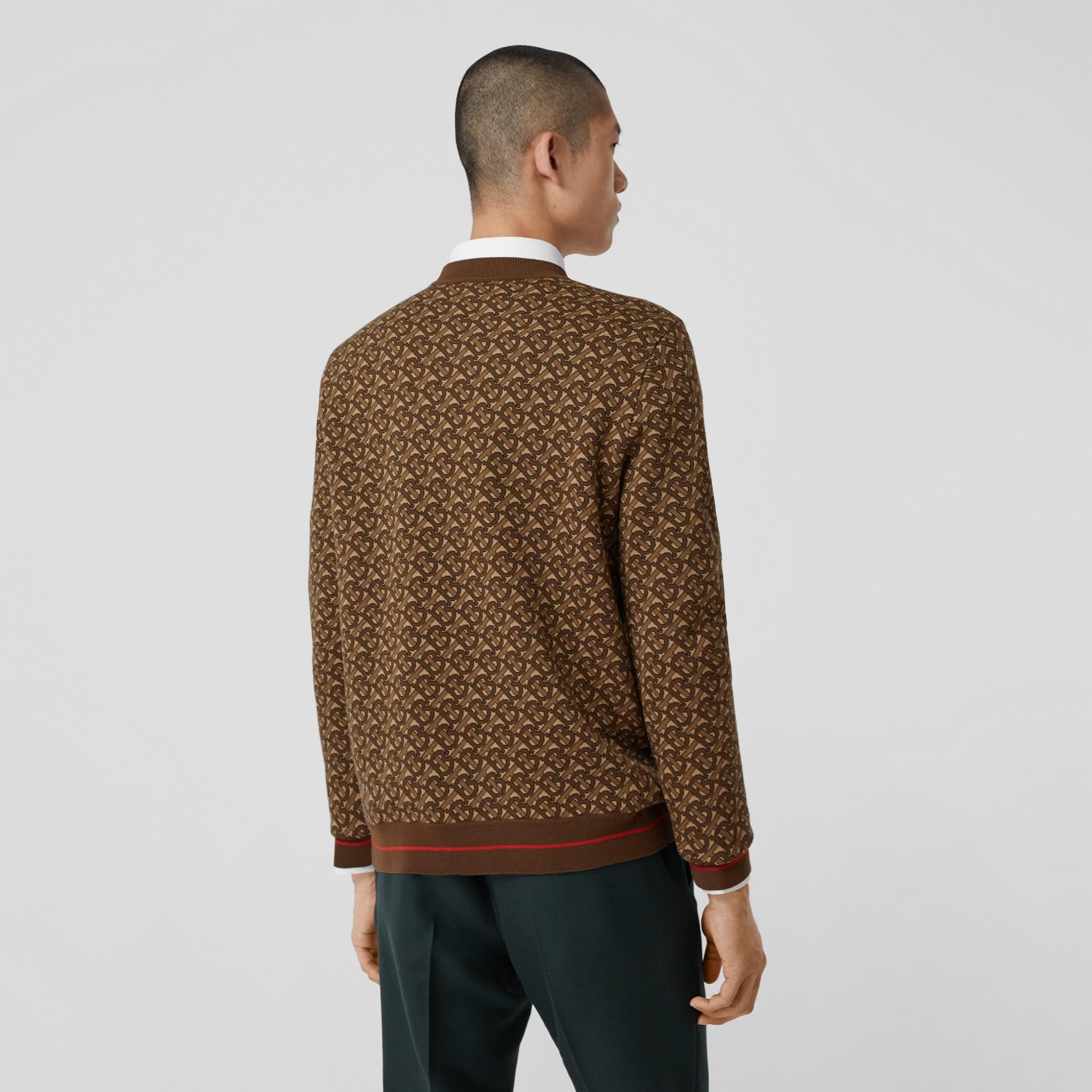Pull en jacquard de laine mérinos Monogram (Brun Bride) - Homme | Burberry Canada - photo de la galerie 2