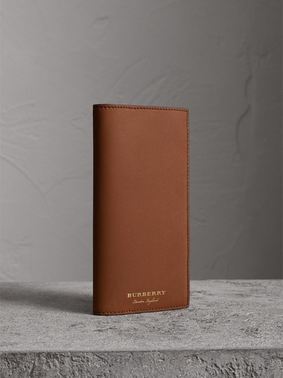 Trench Leather Continental Wallet in Tan