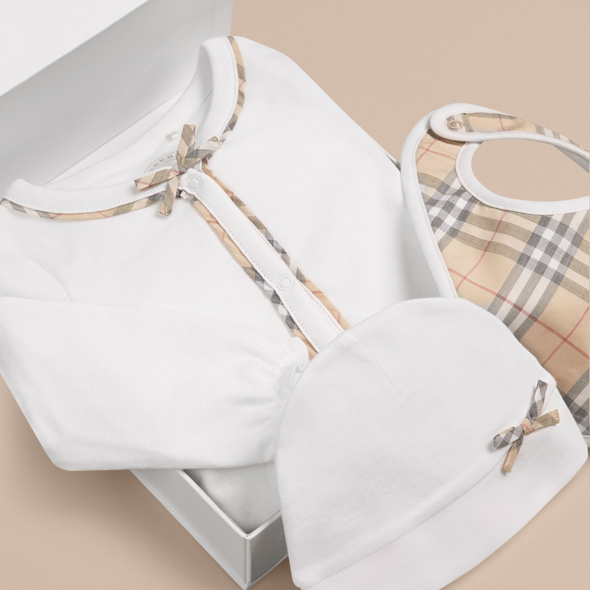 Check Cotton Three-piece Baby Gift Set in White - Girl | Burberry - gallery image 1