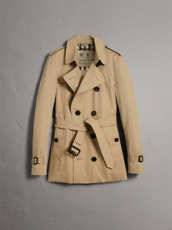 The Sandringham – Short Heritage Trench Coat in Honey - Men | Burberry - cell image 3