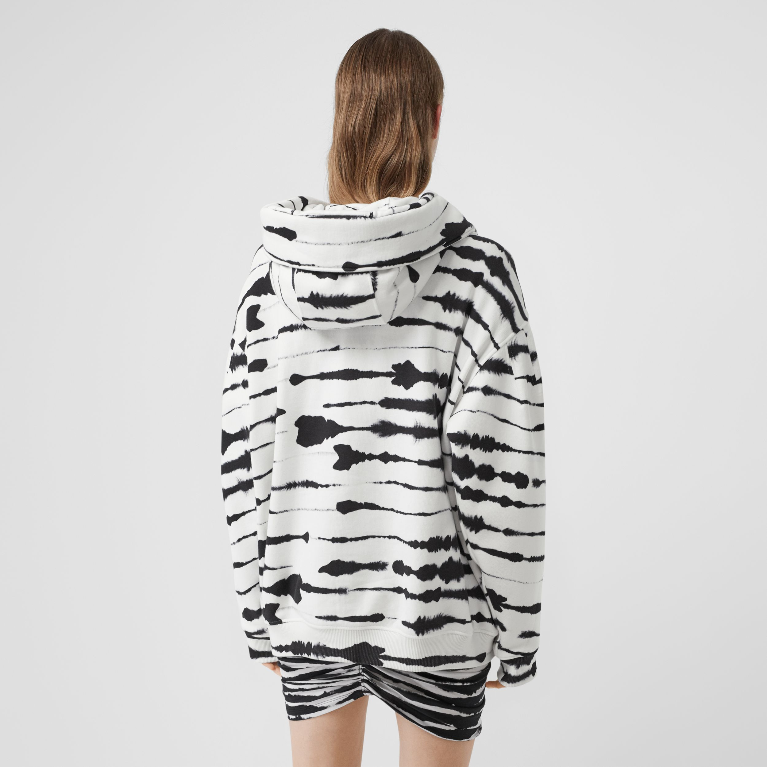 Cut-out Detail Watercolour Print Cotton Hoodie in White/black - Women | Burberry - 3