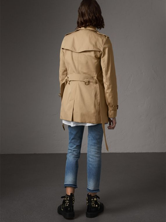 The Kensington – Short Trench Coat in Honey - Women | Burberry - cell image 2