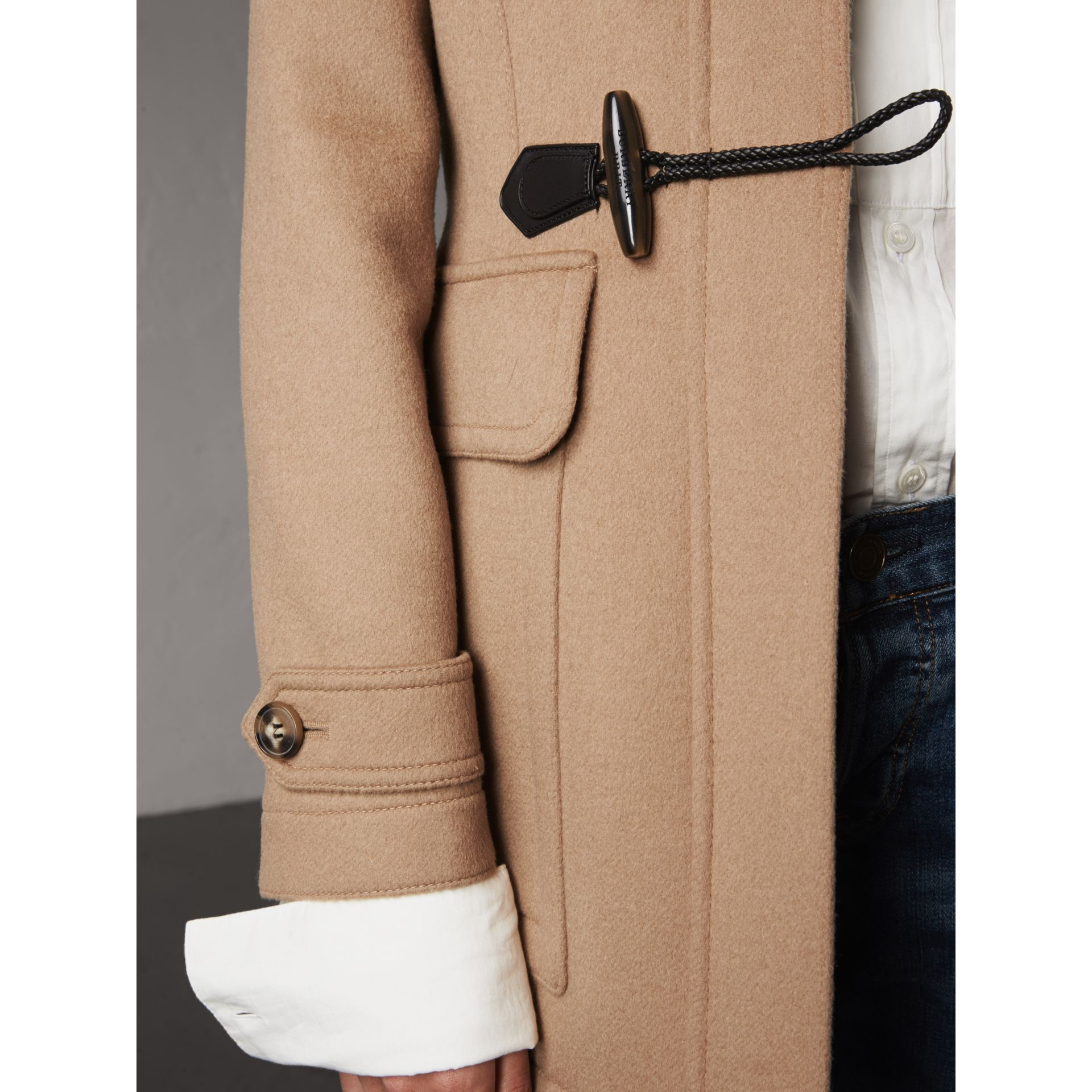 Duffle-coat en laine avec bordure en fourrure amovible (Camel) - Femme | Burberry - photo de la galerie 1