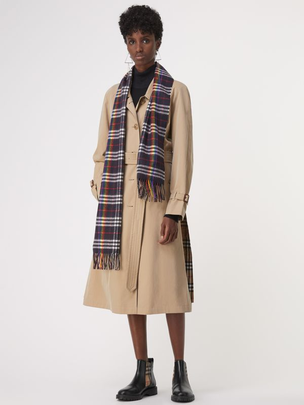 The Classic Rainbow Check Cashmere Scarf in Navy/rainbow | Burberry Australia - cell image 2