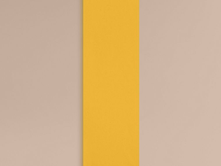 Cachecol clássico de cashmere (Gorse Yellow) - Mulheres | Burberry - cell image 1