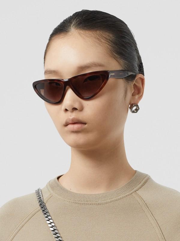 Occhiali da sole con montatura triangolare (Tartarugato) - Donna | Burberry - cell image 2
