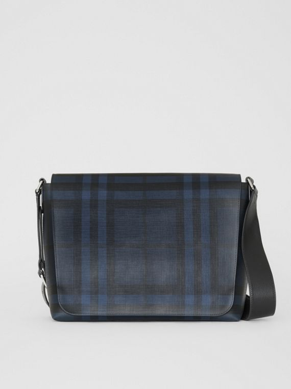Bolso messenger grande en tejido de London Checks (Azul Marino / Negro)