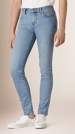 Jean slim stretch en denim japonais ultra-confortable