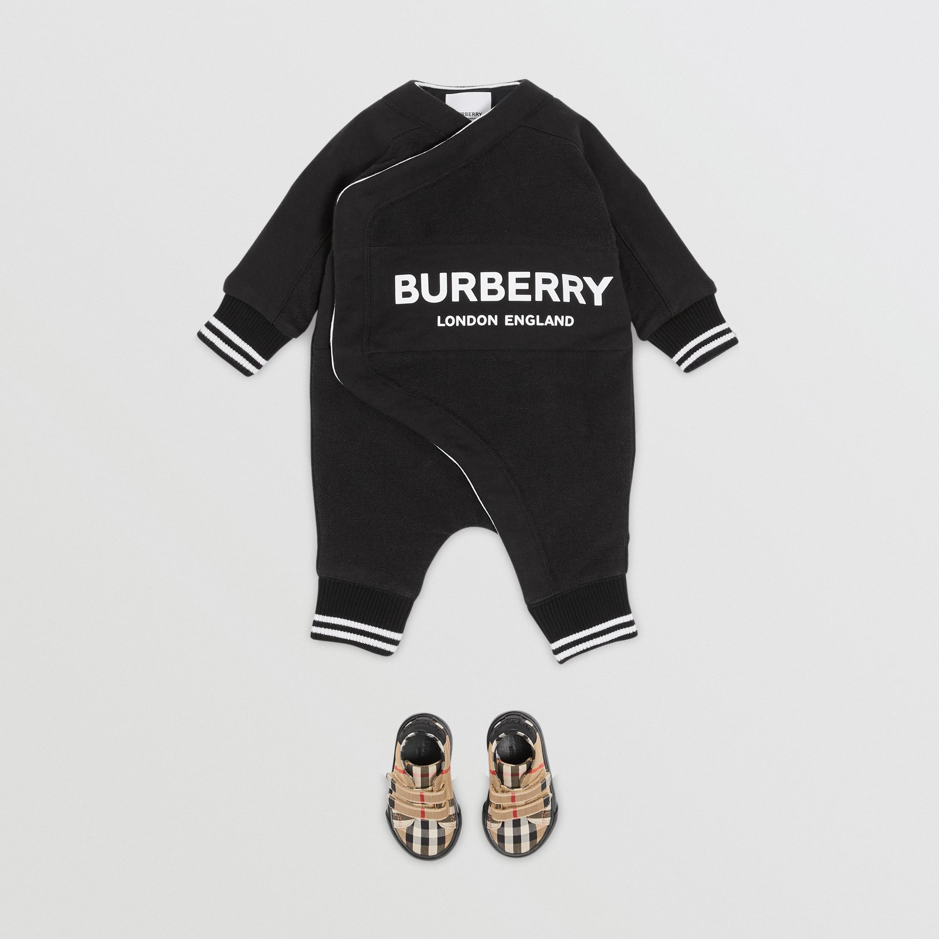 Logo Print Quilted Cotton Jumpsuit in Black - Children | Burberry United Kingdom - gallery image 2