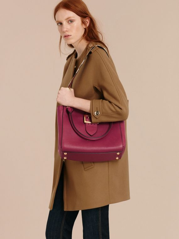 The Medium Buckle Tote in Grainy Leather Dark Plum - cell image 2