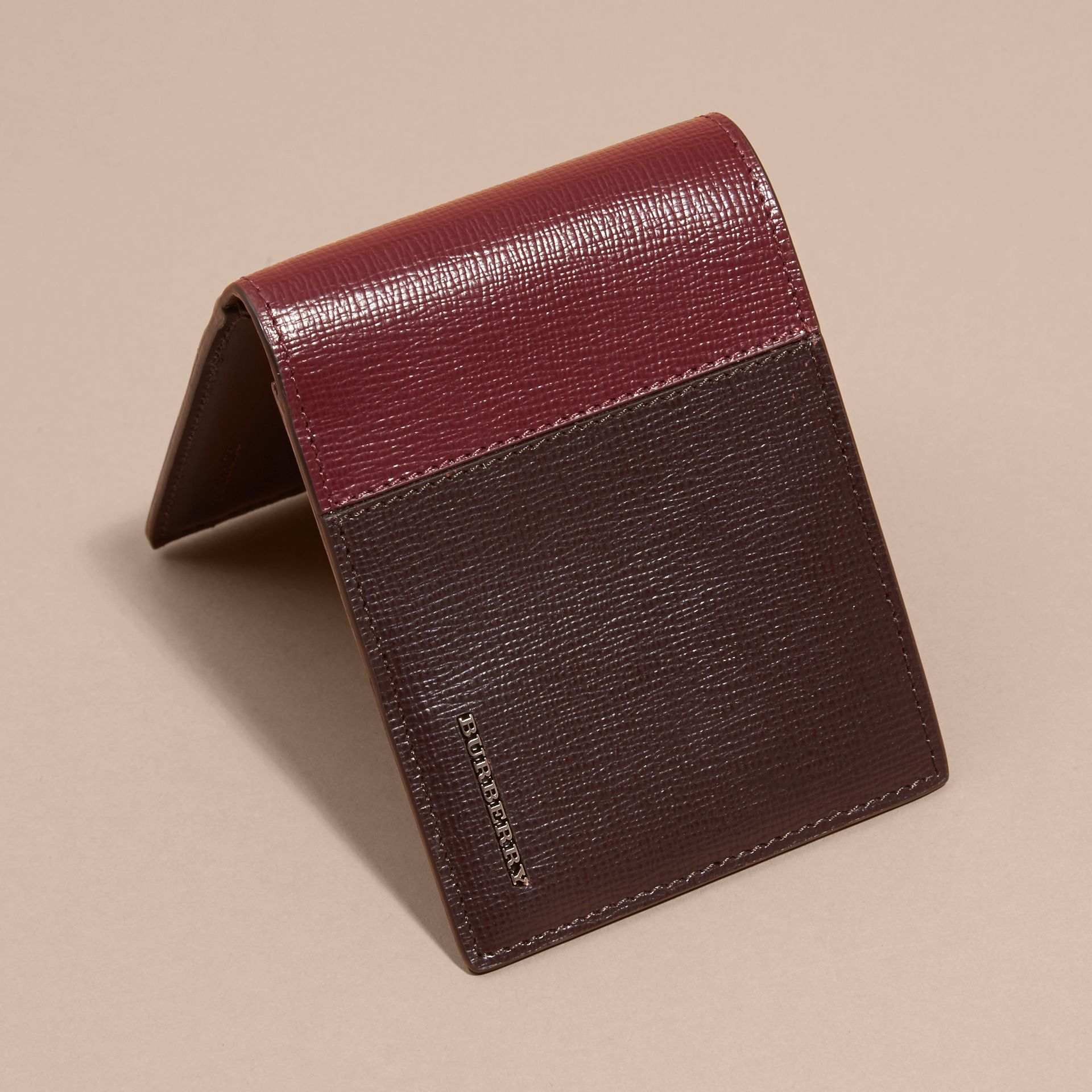 Wine/burgundy red Panelled London Leather Folding Wallet - gallery image 3