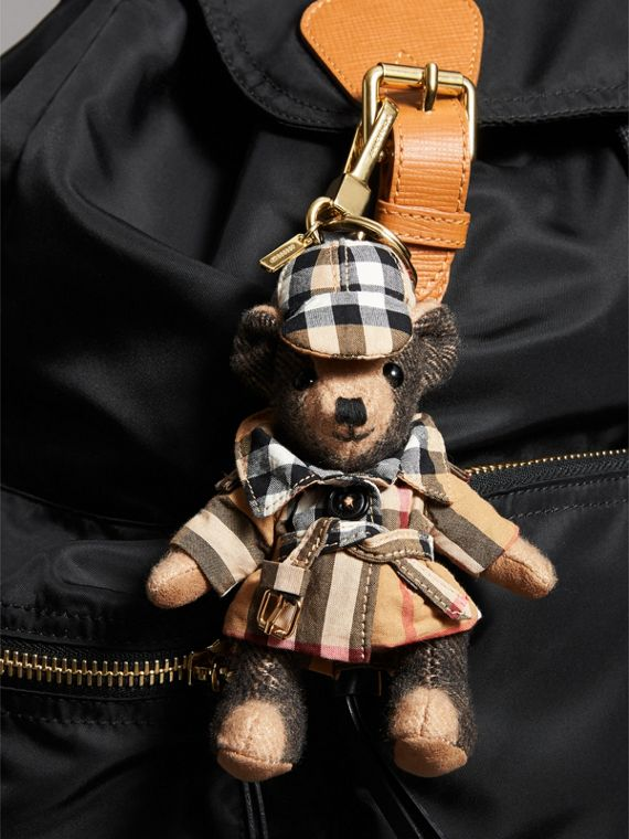 Thomas Bear Charm in Vintage Check Trench Coat in Camel | Burberry Hong Kong - cell image 3
