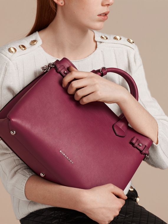 The Medium Banner in Leather with Chain Detail in Garnet Pink - Women | Burberry - cell image 2