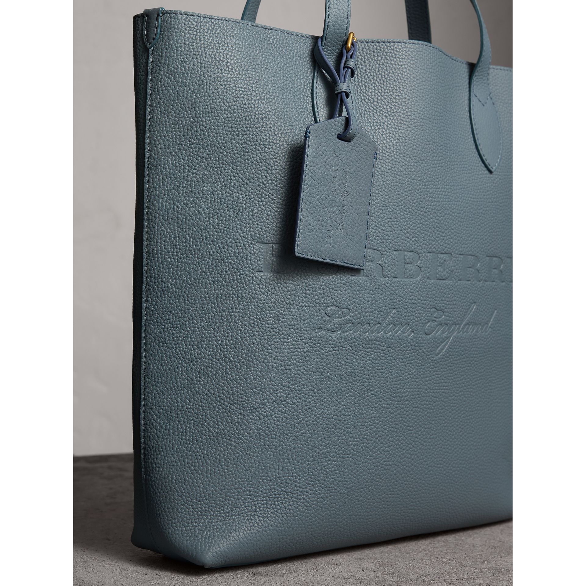Grainy Leather Luggage Tag in Dusty Teal Blue | Burberry Singapore - gallery image 3