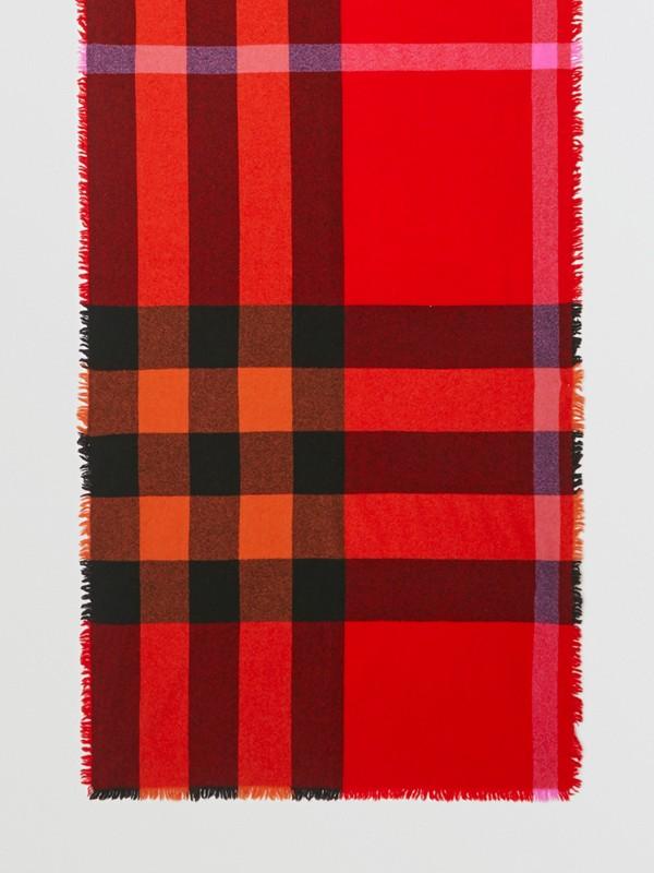 Sciarpa in lana e cashmere con motivo tartan e frange (Rosso Arancione Brillante) | Burberry - cell image 2