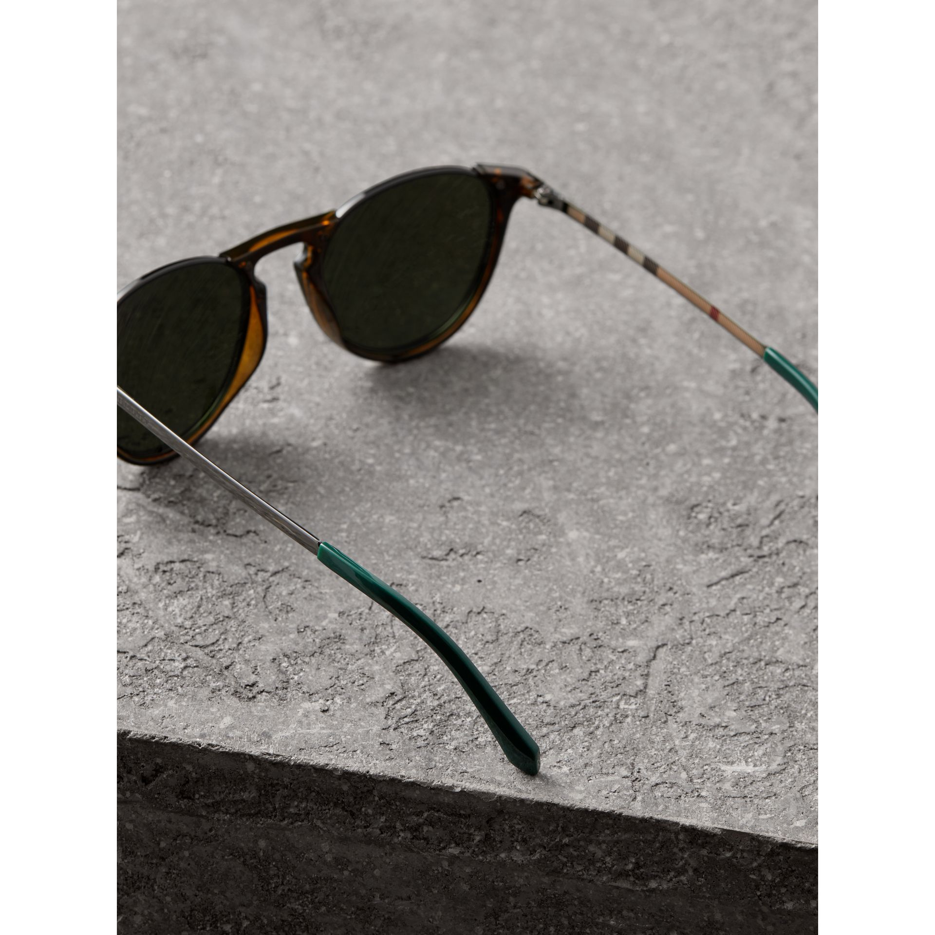 Keyhole Pilot Round Frame Sunglasses in Tortoise Shell - Men | Burberry United Kingdom - gallery image 4