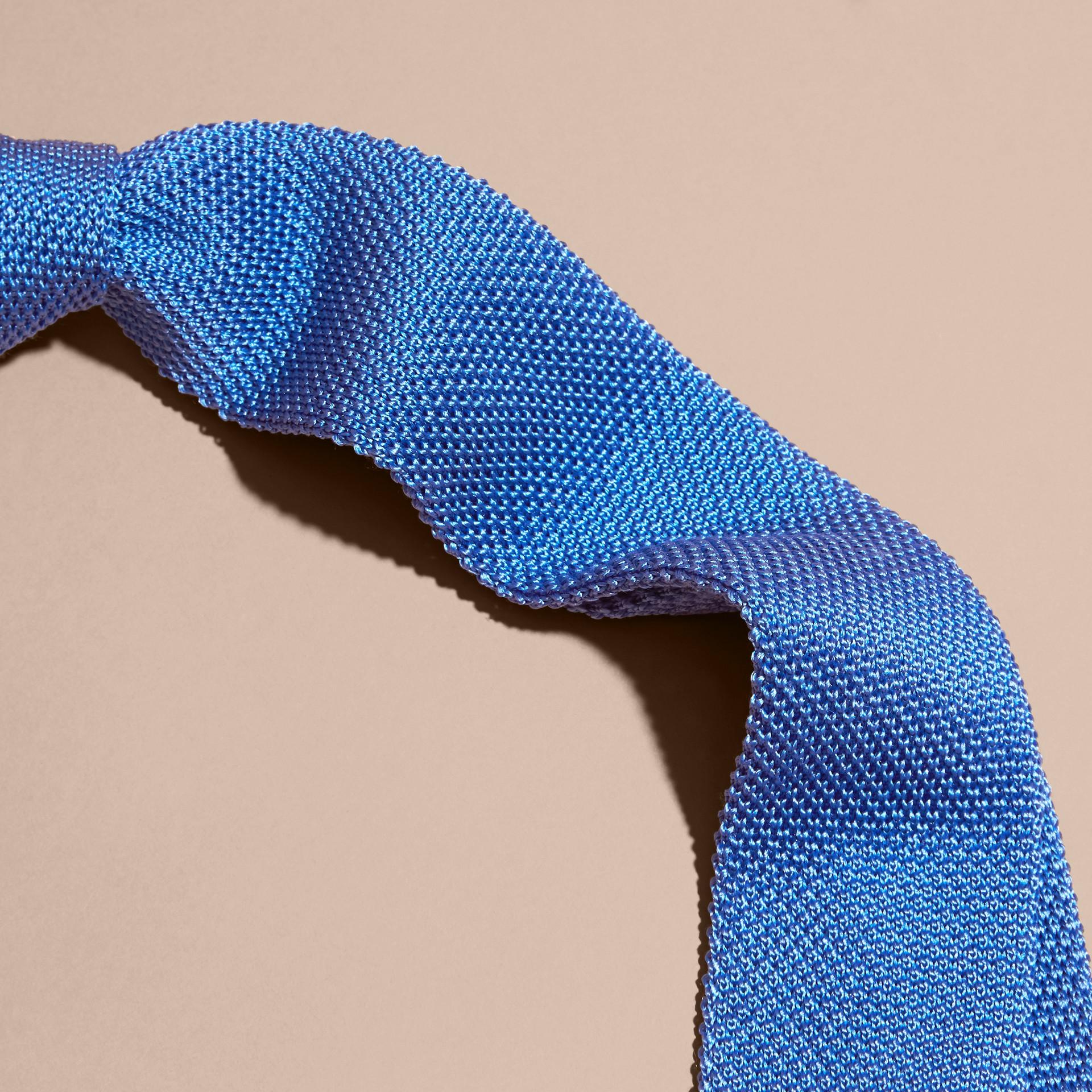 Blu chiaro Cravatta dal taglio sottile in seta lavorata a maglia Blu Chiaro - immagine della galleria 2