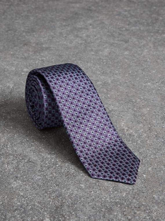 Slim Cut Daisy Silk Jacquard Tie in Lilac