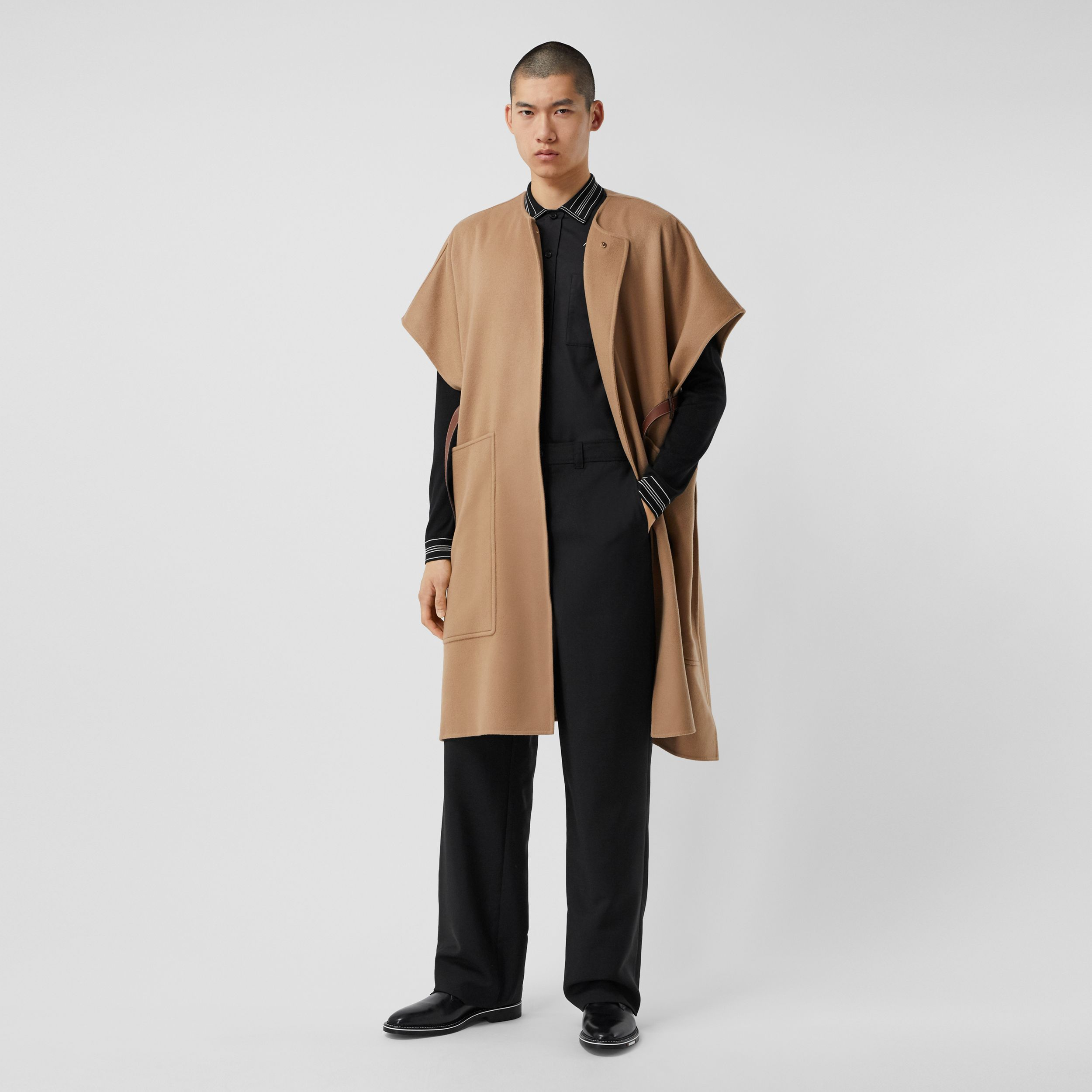 Short-sleeve Double-faced Cashmere Belted Cape – Unisex in Camel - Women | Burberry Australia - 1