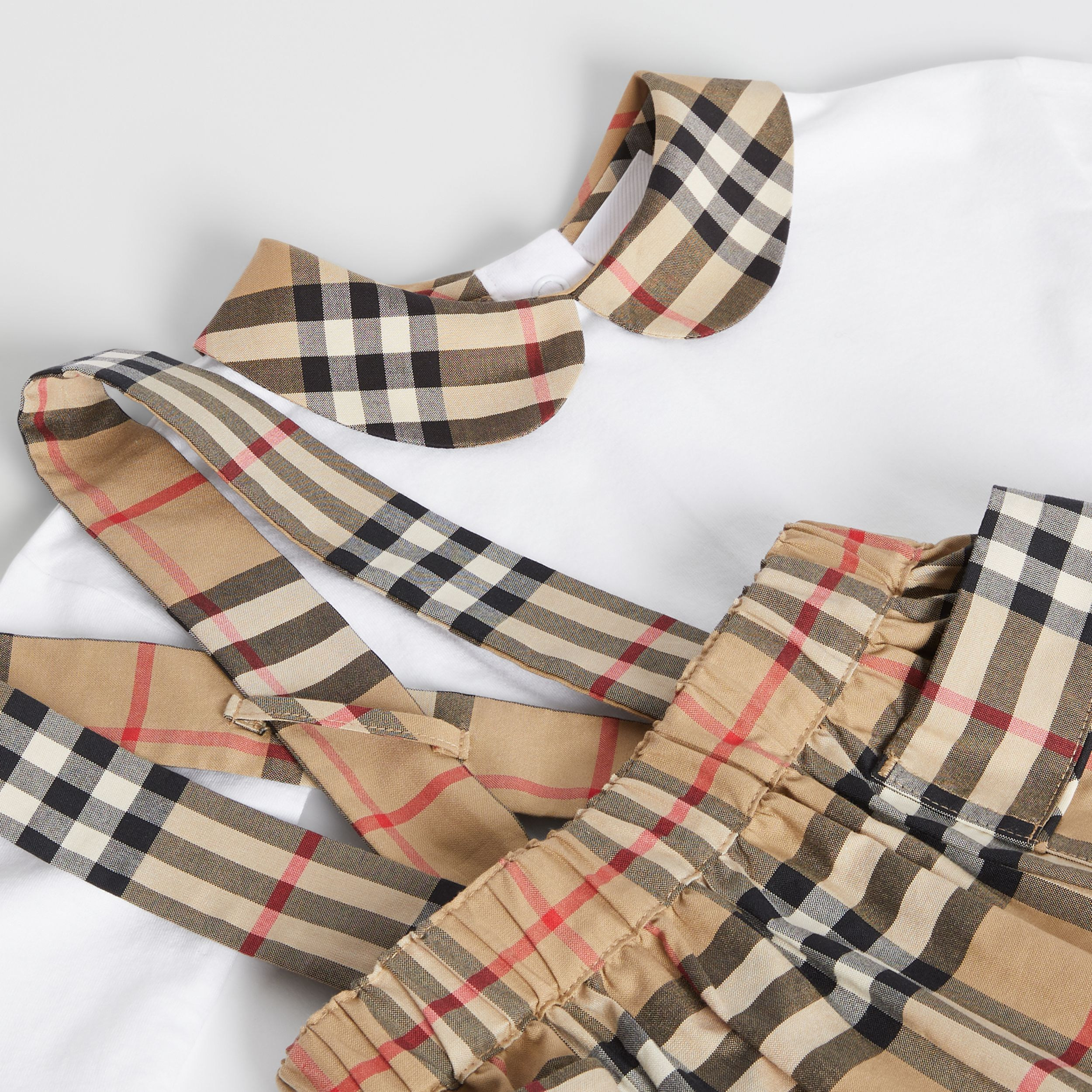 Vintage Check Organic Cotton Two-piece Baby Gift Set in White - Children | Burberry - 2