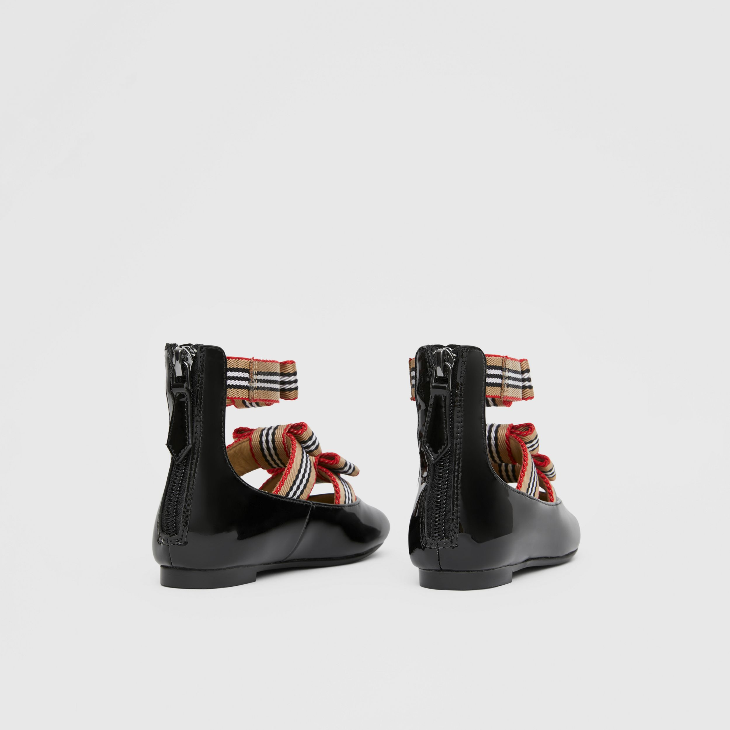 Icon Stripe Bow Patent Leather Shoes in Black - Children | Burberry - 3