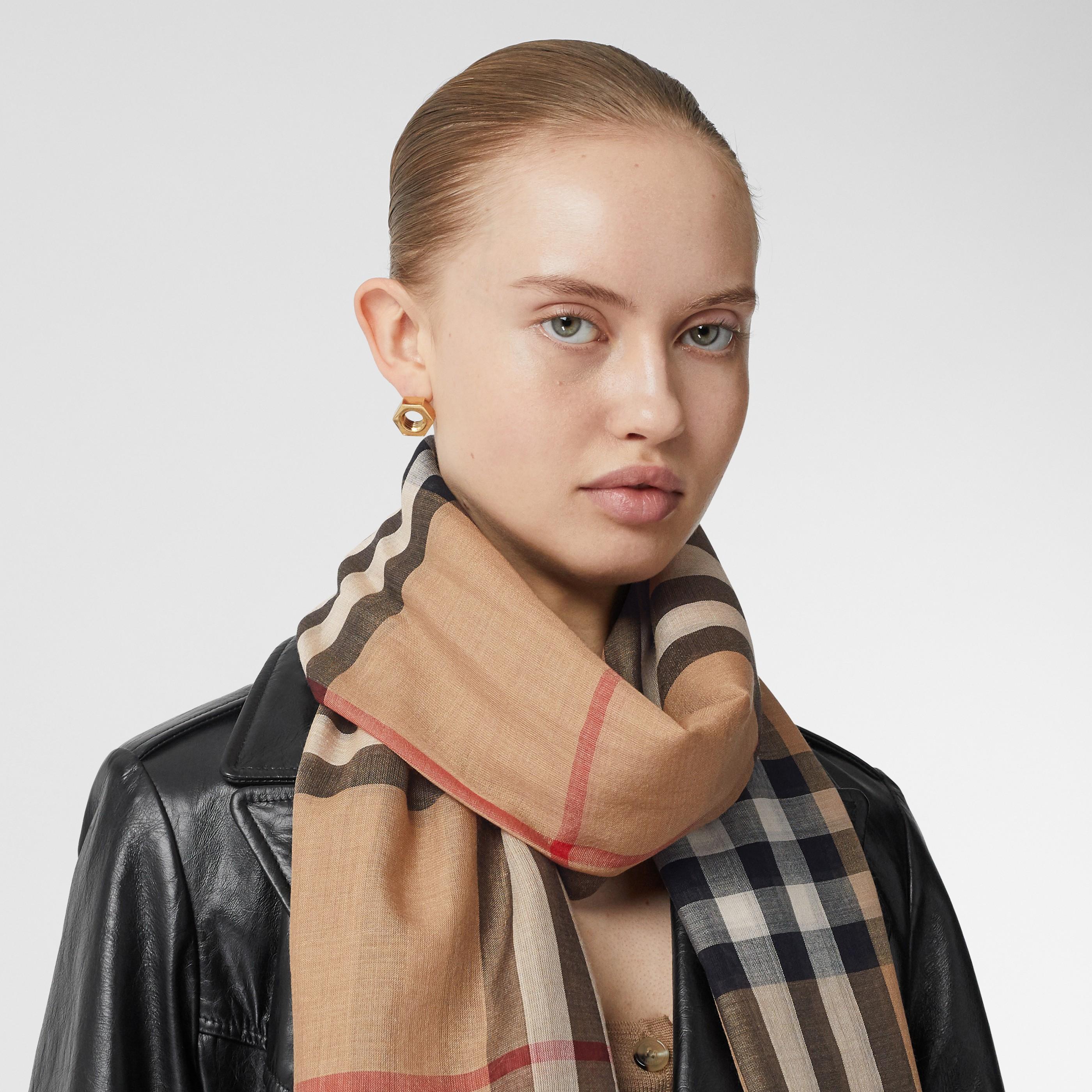 Sciarpa leggera in lana e seta con motivo tartan (Beige Archivio) | Burberry - 3