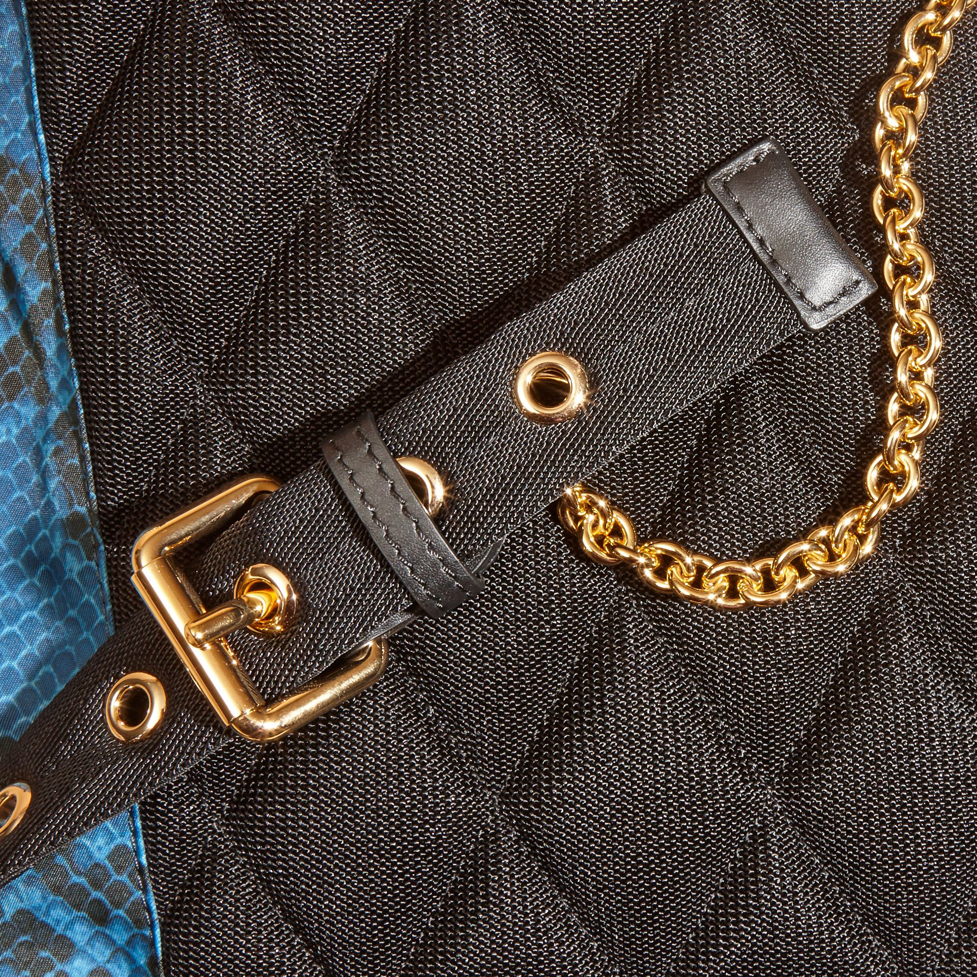 Sac The Rucksack medium en nylon à imprimé python et cuir Bleu - photo de la galerie 2