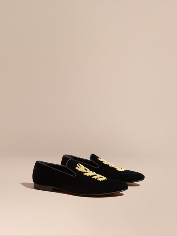Loafers de veludo bordados