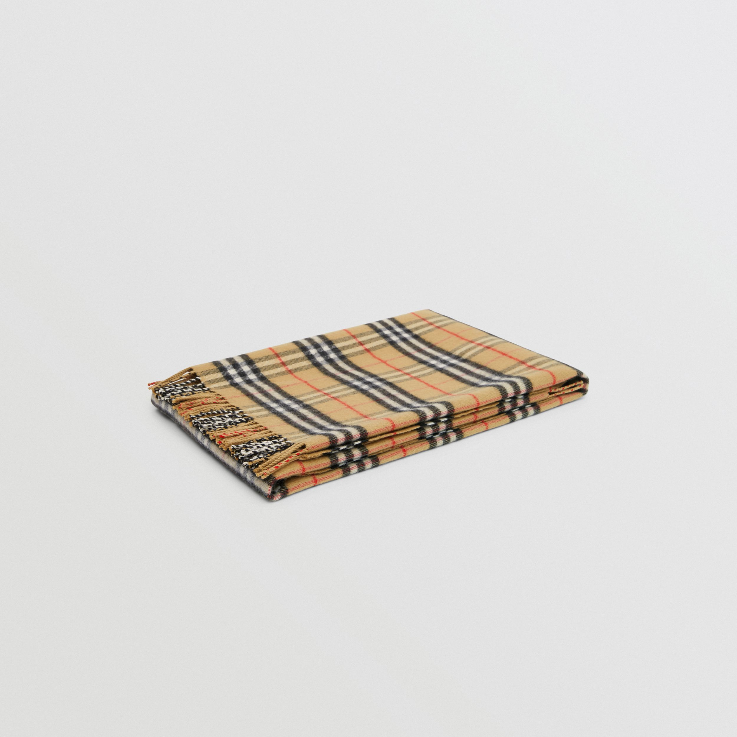 Vintage Check Merino Wool Baby Blanket in Archive Beige - Children | Burberry Singapore - 1