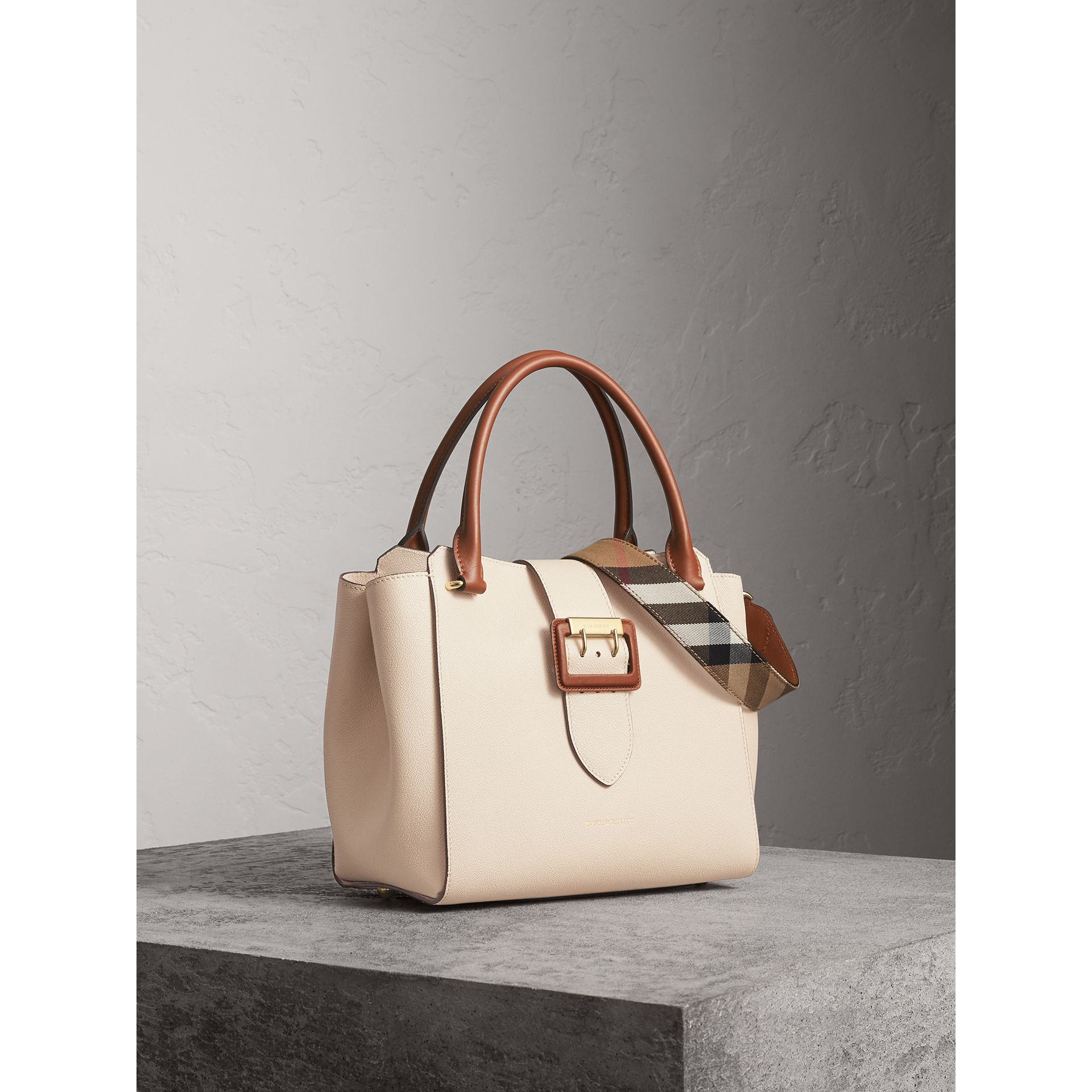 The Medium Buckle Tote in Grainy Leather in Limestone - Women | Burberry Australia - gallery image 8