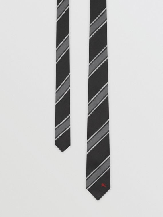 Slim Cut Striped Silk Jacquard Tie in Black