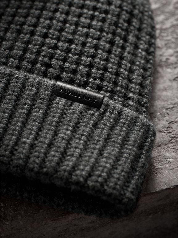 Cashmere Blend Waffle Knit Beanie in Mid Grey | Burberry Singapore - cell image 1