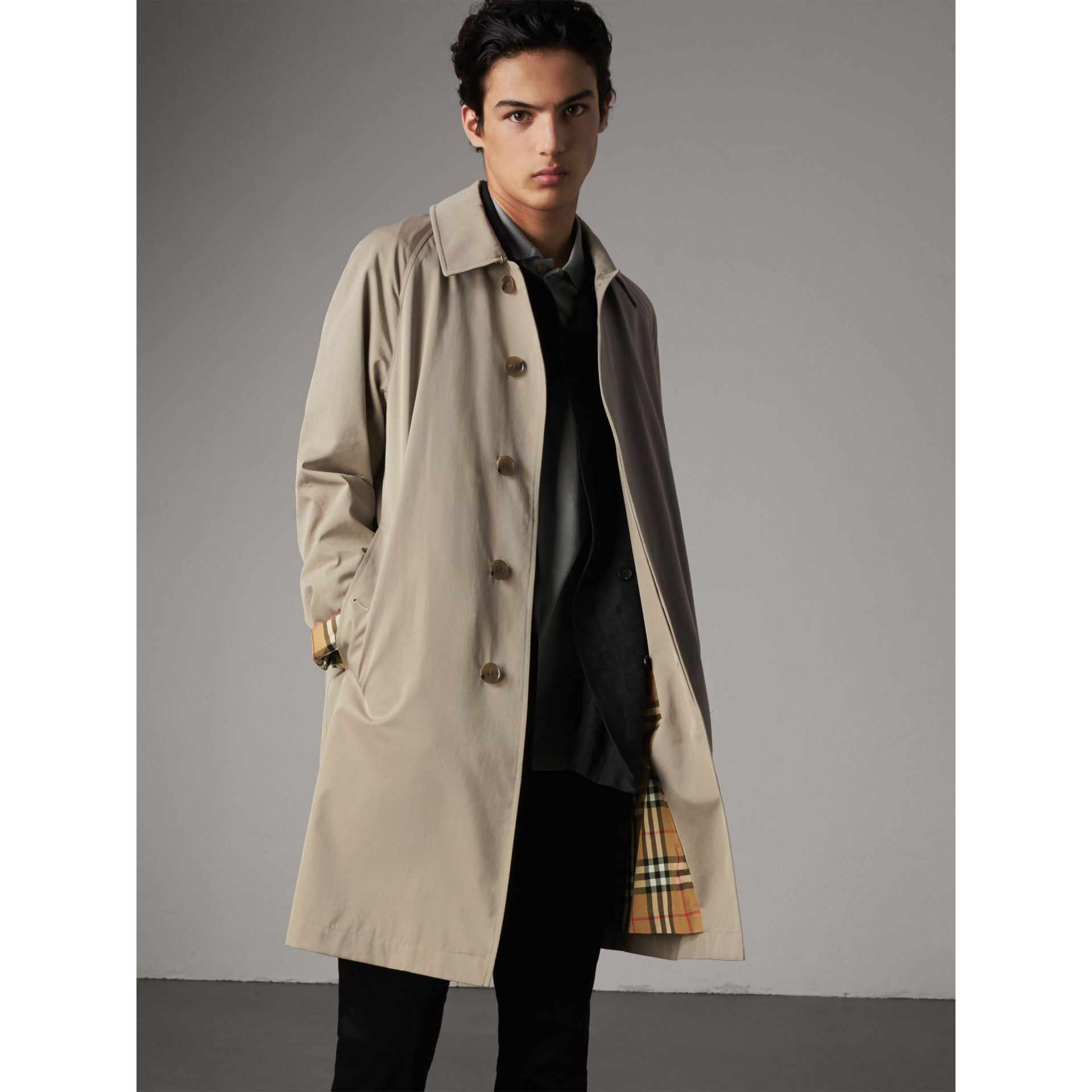 The Camden – Long Car Coat in Sandstone - Men | Burberry United Kingdom - gallery image 5