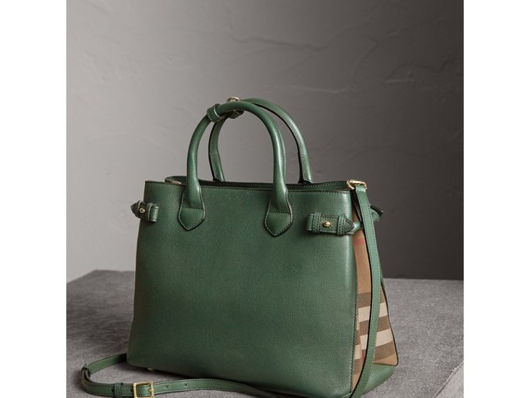 The Medium Banner in Leather and House Check in Dark Bottle Green - Women | Burberry Hong Kong - cell image 4