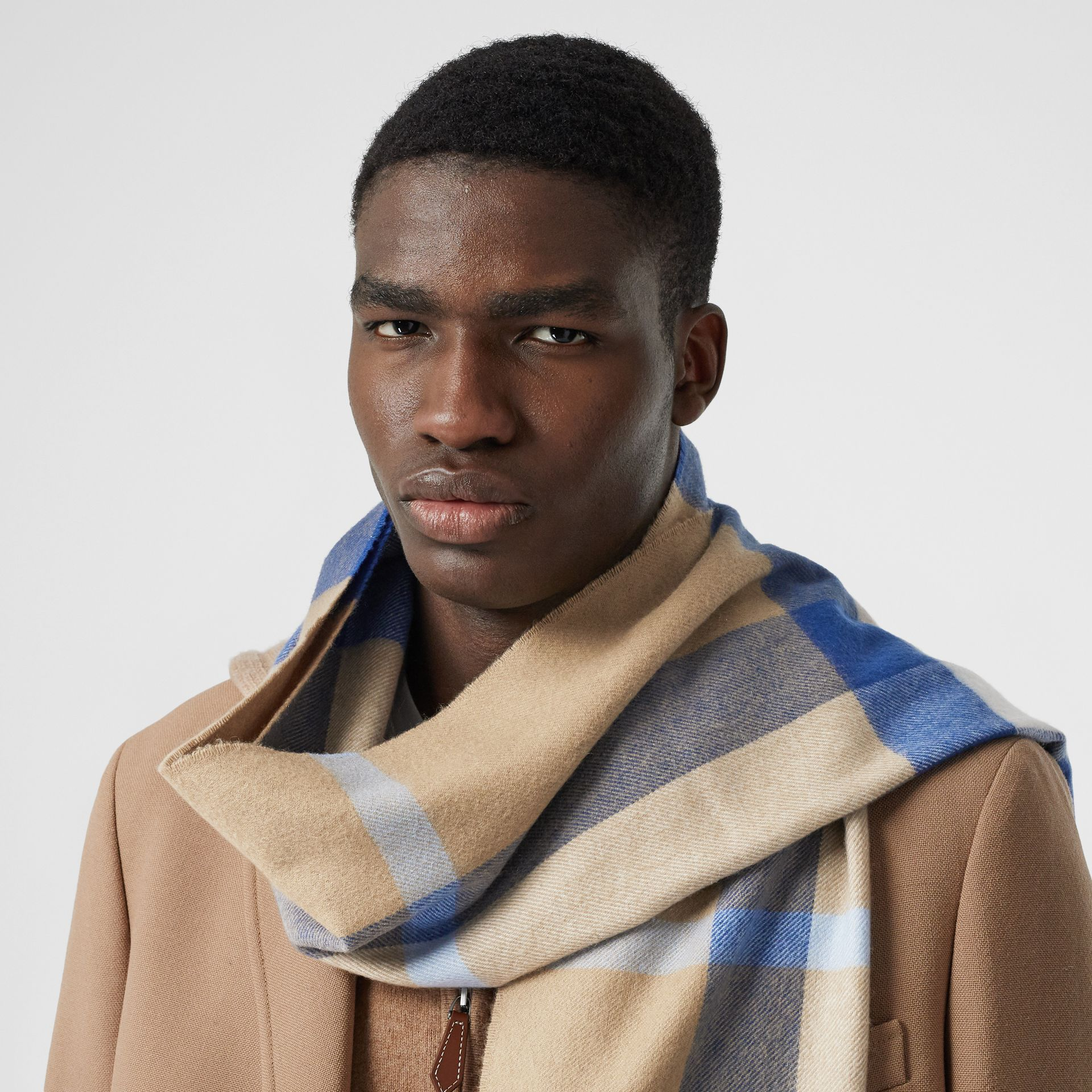 Check Cashmere Scarf in Arc Beige/inky Blue | Burberry Canada - gallery image 3