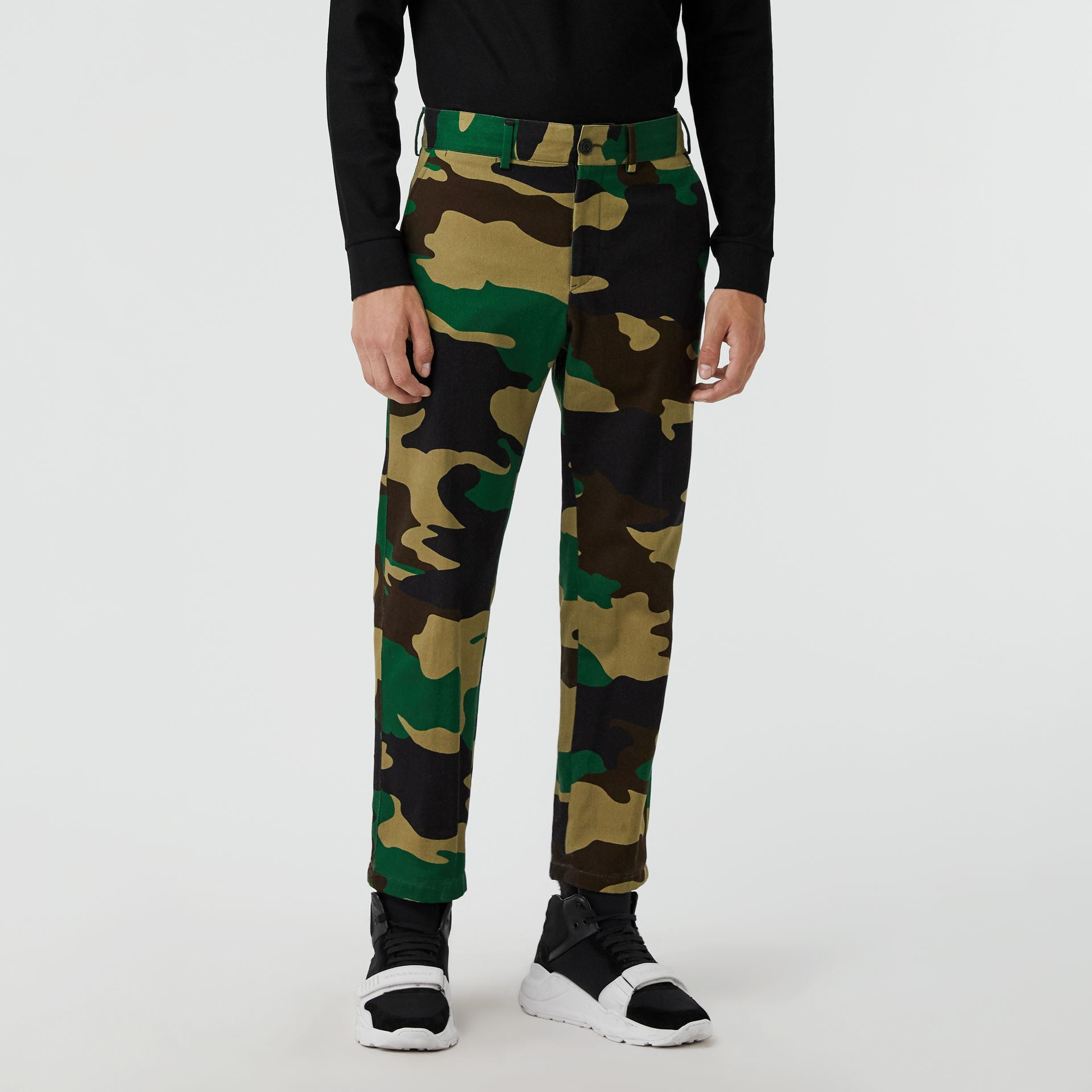 Slim Fit Camouflage Print Cotton Chinos in Forest Green - Men | Burberry Australia - gallery image 4