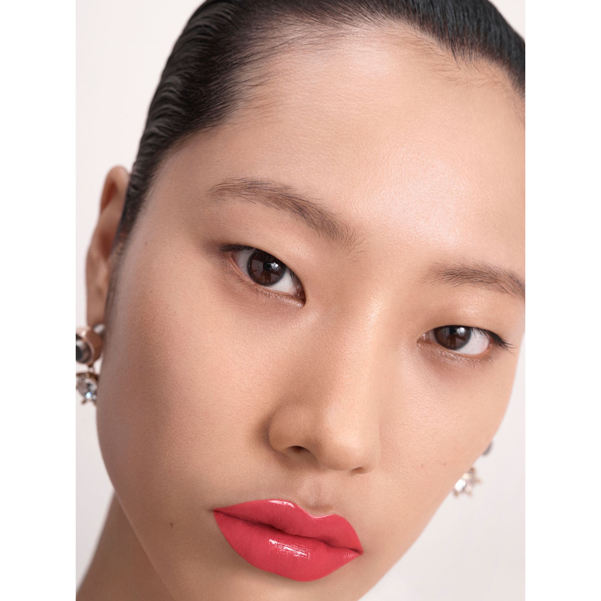 Burberry Kisses Lip Lacquer – Light Crimson No.28 - Women | Burberry Hong Kong - gallery image 6