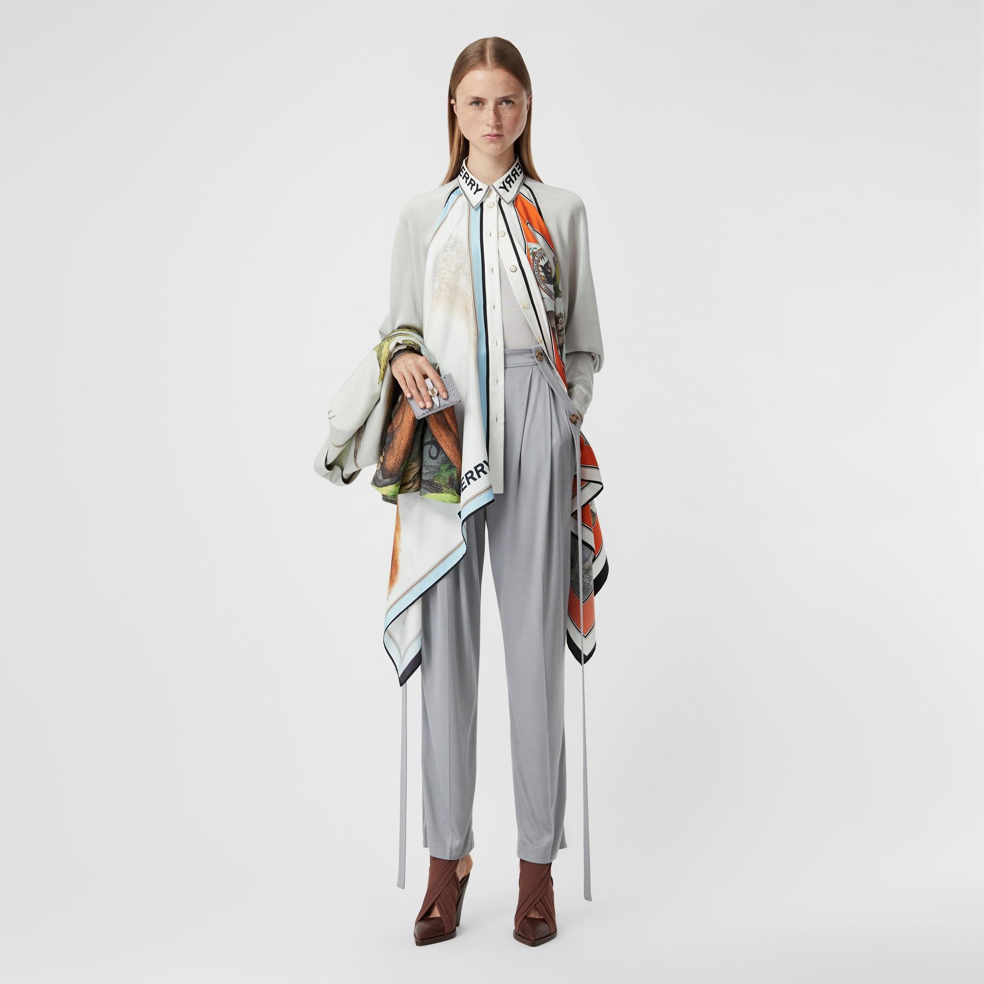 Haut en maille avec foulards en soie à imprimé animalier (Porcelaine) - Femme | Burberry Canada - photo de la galerie 0