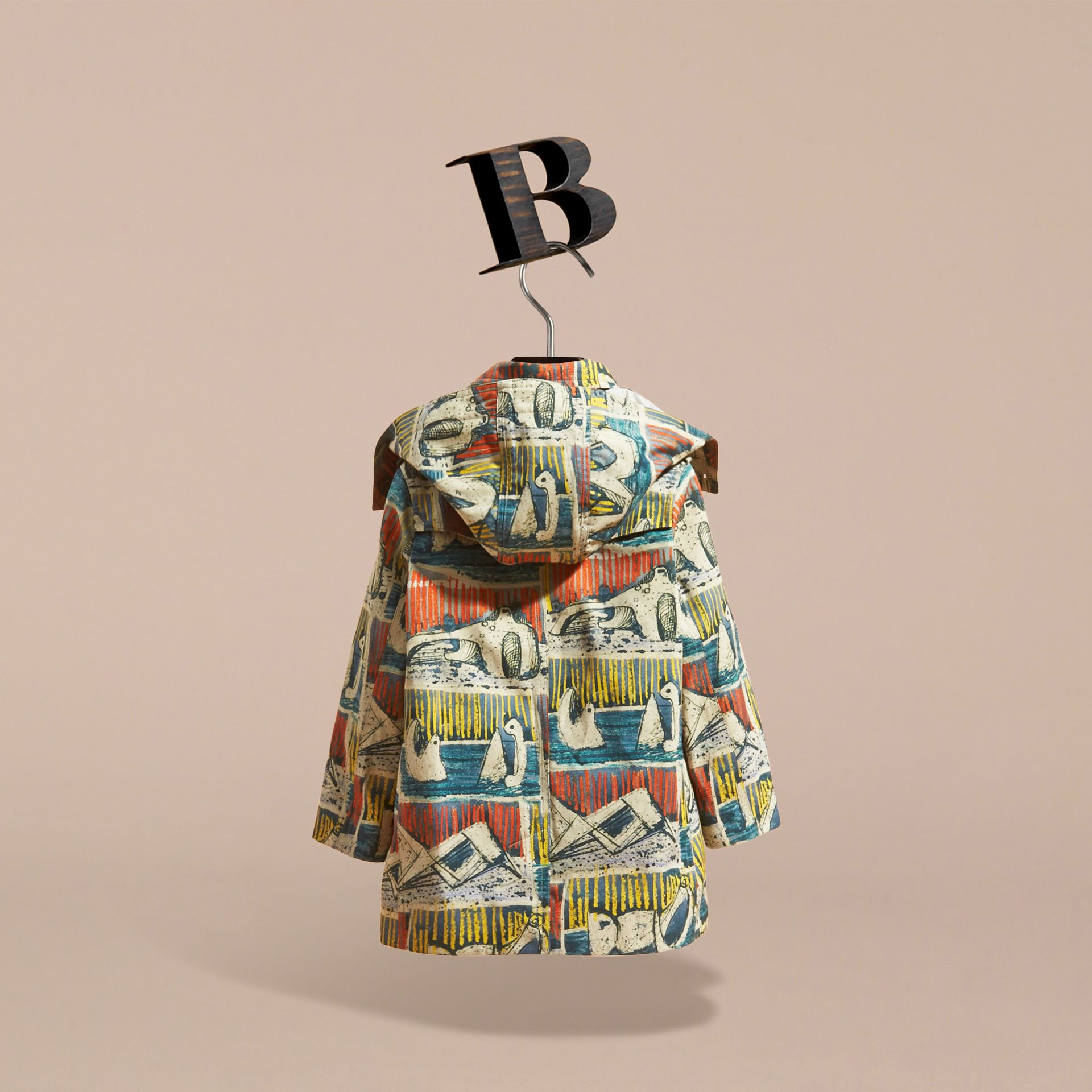 리클라이닝 피겨 프린트 후드 코튼 트렌치코트 (스톤 블루) | Burberry - 갤러리 이미지 5