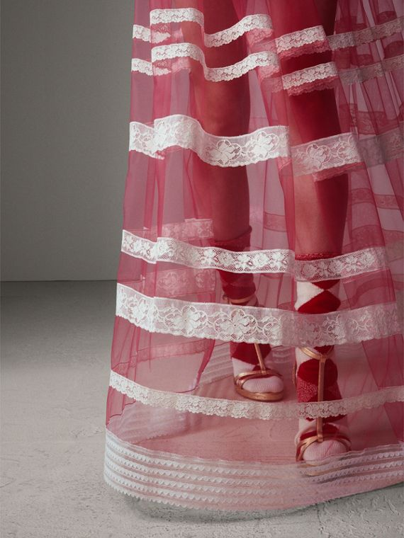 Gonna lunga in tulle con finitura in pizzo inglese (Rosa Intenso)