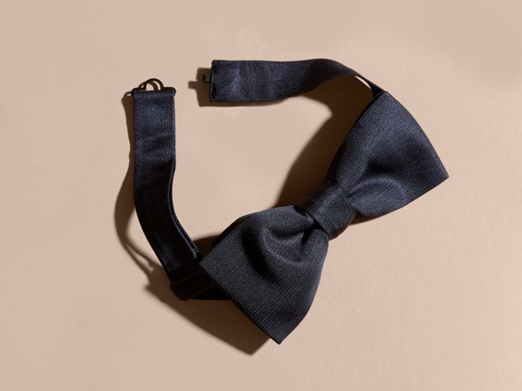 Midnight Silk Bow Tie - cell image 1